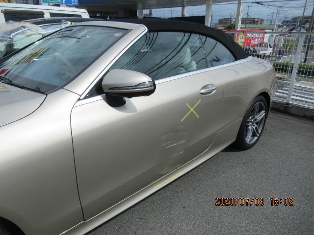 メルセデス・ベンツ・E200、左フロントドア廻りの事故修理(鈑金・塗装)
